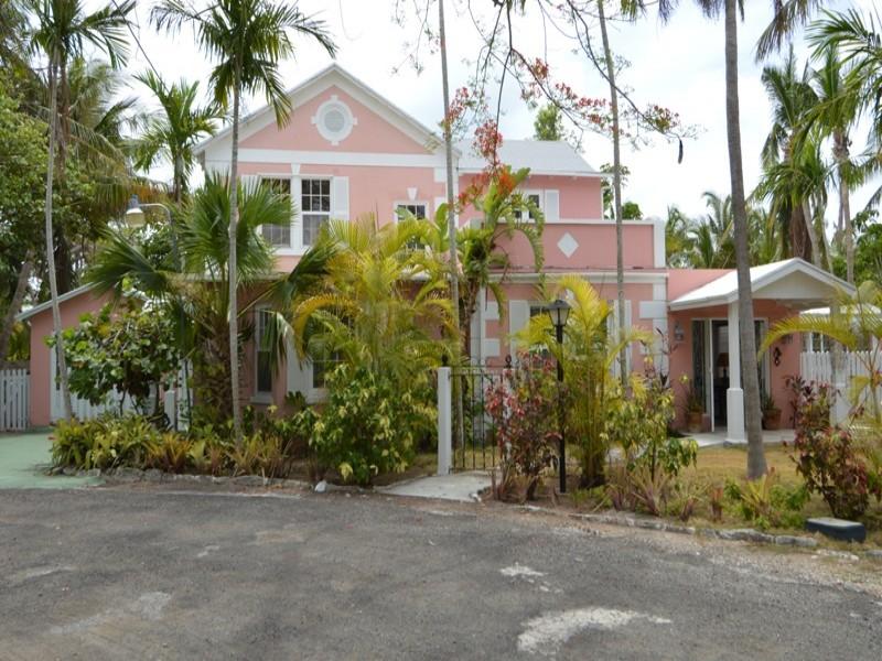Old Bahamian Charm