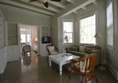 galleryimage3-villa-greenland-cable-beach1497623255