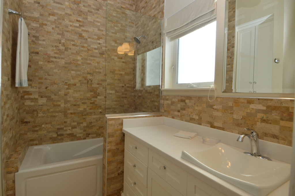 Copy of guest bedroom 1 bathroom